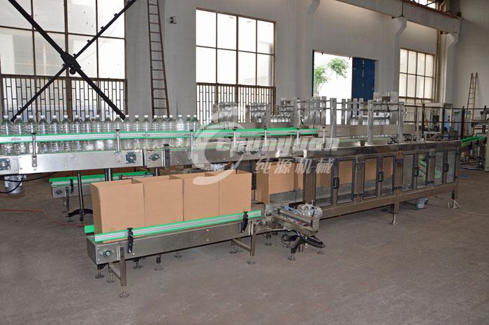 矿泉shui装箱机和纸盒装箱机yi及饮料装箱机的介绍